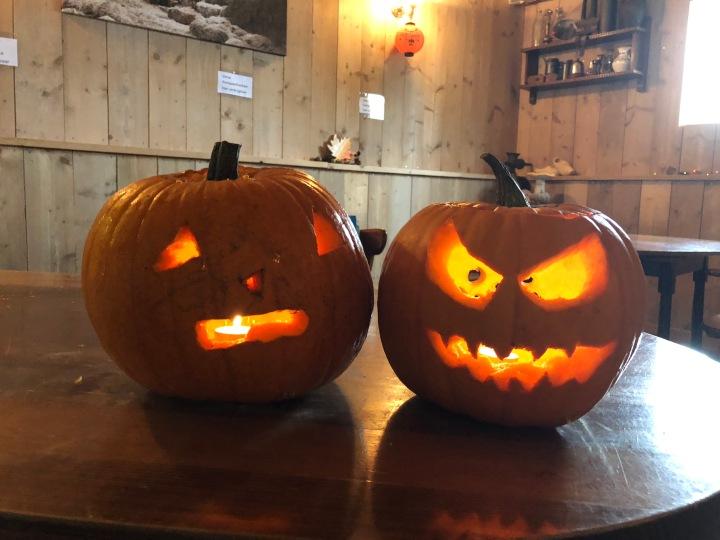 Herfstvakantie – movies, jumping, pumpkincarving.
